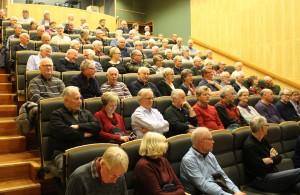 Fullsatt auditorium på medlemsmøtet